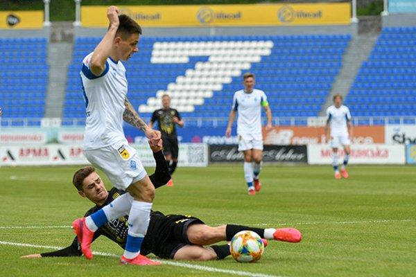 Динамо и Рух сыграли вничью в первом матче после карантина