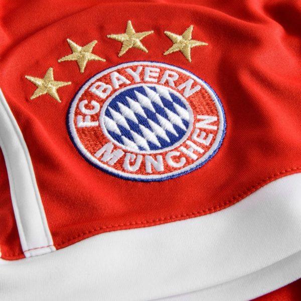 Бавария официально показала свою новую форму