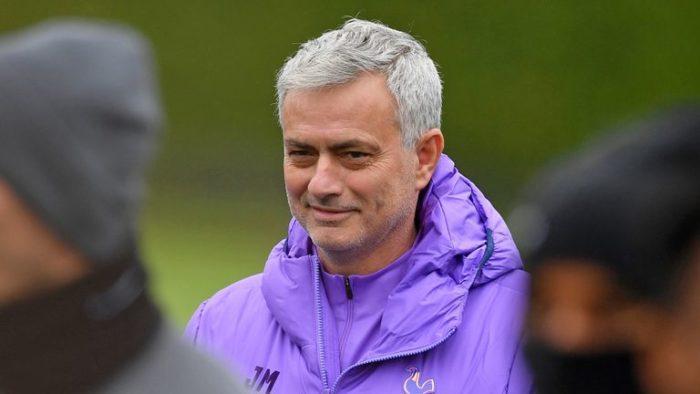 Моуринью вошел в историю Кубка английской лиги